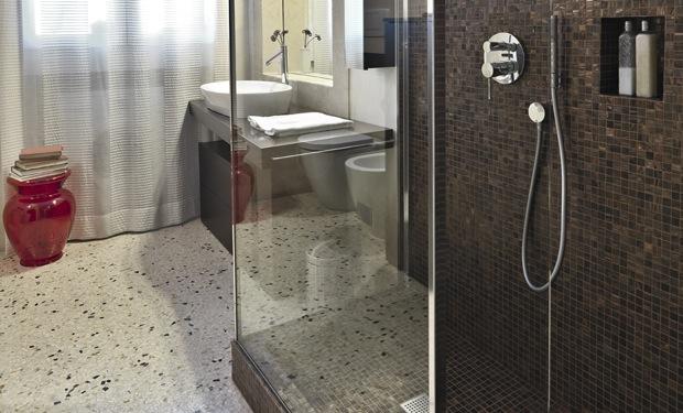 Steentapijt badkamer