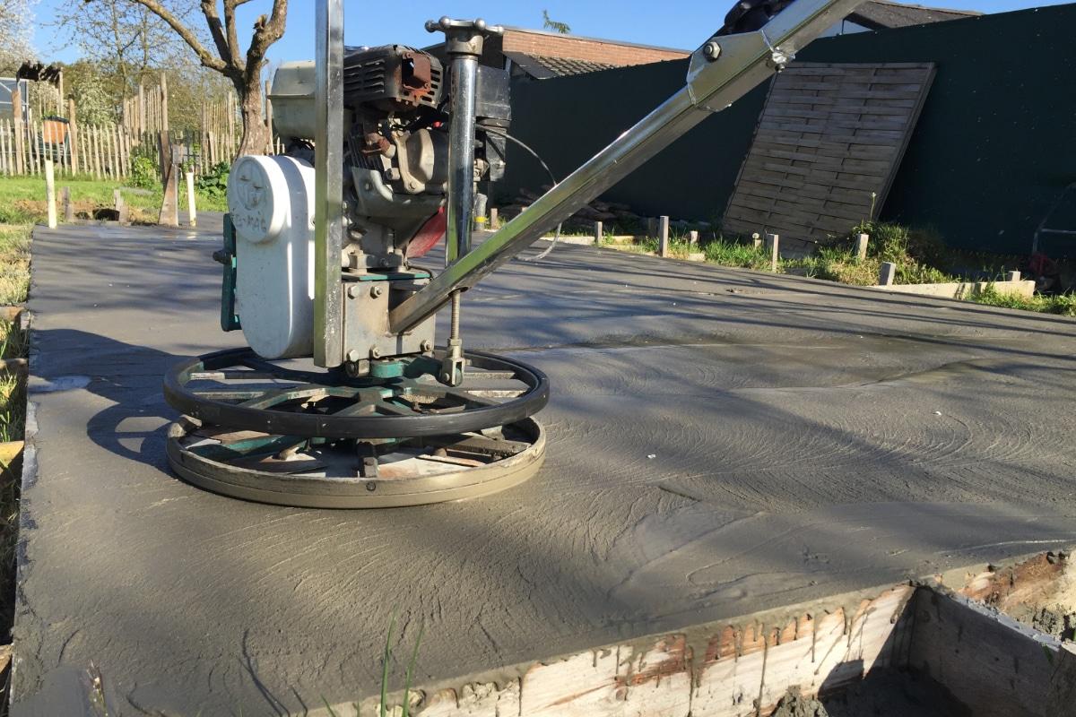plaatsen betonvloer